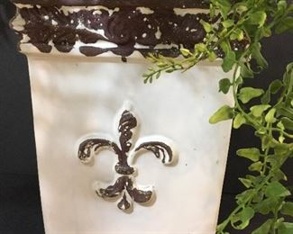Alternate view of vase