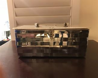 Vintage Dorset-Rex Fifth Ave metal/mirror purse