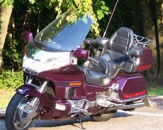 1996 Honda GoldWing 1500 Aspencade Motorcycle Runs great , new brakes 30k miles   asking $3800 OBO  CASH ONLY no trades no checks please