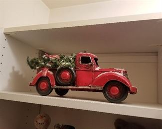 hip Christmas decor