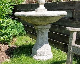 concrete birdbath / fountain
