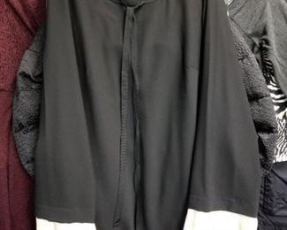 Little black Dress, short w Lace sleeves
