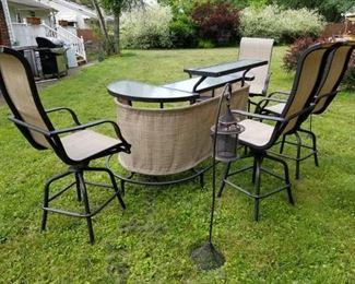 Modular Backyard bar w 4 swivel Bar Stools