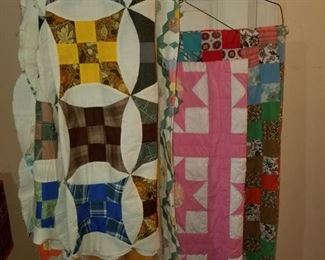 Unquilted quilt tops and quilts