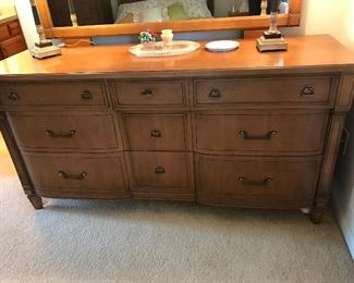 Double bed, dresser and dresser w/ mirror