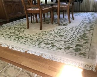 8' x 11' wool rug - cream & green