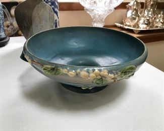 "Roseville Pottery IFB-10 ""Snowberry"" Bowl"