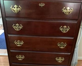 Kincaid Chest