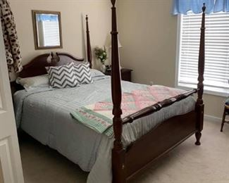 Queen Sz Four Poster Bed