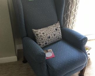 Lazy boy wingback recliner