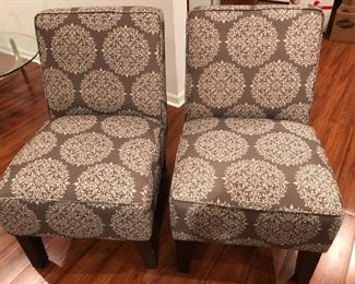 Contemporary matching side chairs in excellent condition