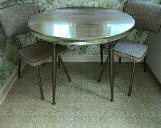 Nice Mid-Century kitchen table