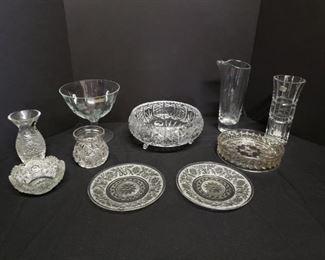 Assorted glassware collection https://ctbids.com/#!/description/share/171872