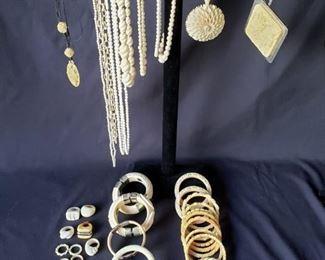 Bangles and necklaces https://ctbids.com/#!/description/share/171876