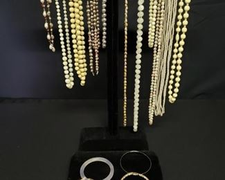 Costume Jewelry - Cream and Other Colors       https://ctbids.com/#!/description/share/171889