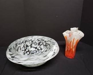 Handblown Vase and Oversized Bowl https://ctbids.com/#!/description/share/171914