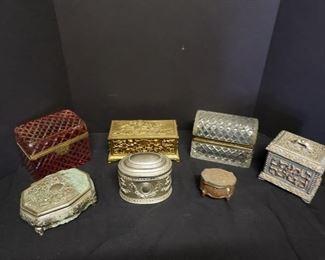 Vintage jewelry box lot https://ctbids.com/#!/description/share/171972