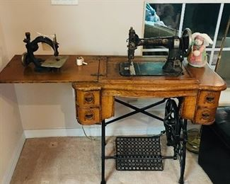 Vintage White Sewing Machine & Cabinet