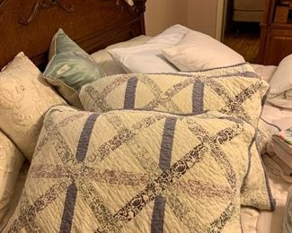 Lavender quilt king size coverlet and 2 shams