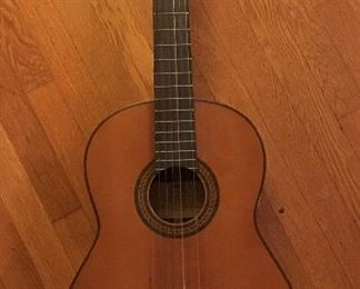 Wonderful Yamaha G40 Guitar