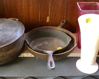Griswold Dutch Oven with Lid, Cast Iron, Roasters