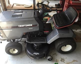 Craftsman Riding Mower. Very clean and in good condition.