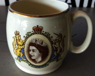 Vintage Queen Elizabeth Souvenir Mug