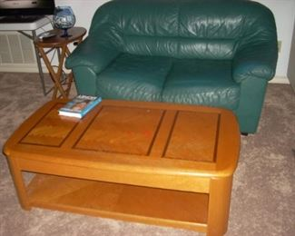 Love Seat, Convertable Coffee Table