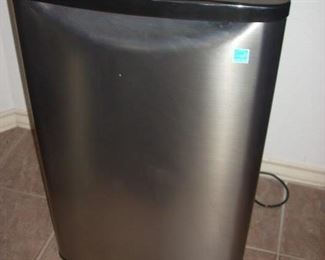 Small Refrigerator - great for Juice Bar, Guest Breakfast area, or garage