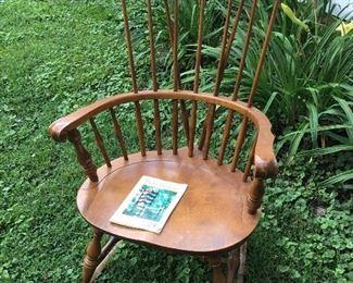 Nichols & Stone Comb Back Windsor Chair
