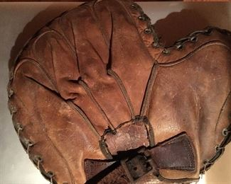 Early 1900's leather catcher's glove
