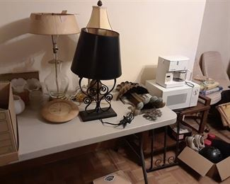 Lamps, Microwave, Coffeemaker