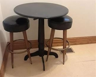 Drop Leaf Table, w/ Matching High Stools