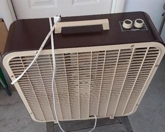 Lakewood box fan - Front view