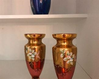 pretty urns not containing human remains