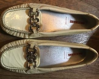 PRADA patent leather size 6 shoes