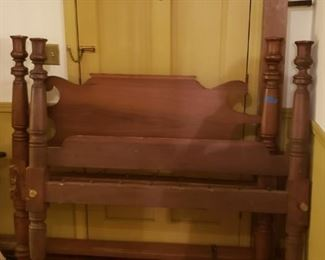 Poster bed, late 19th century or early 20th century