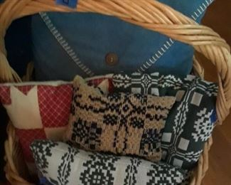 Pillows from woven textiles