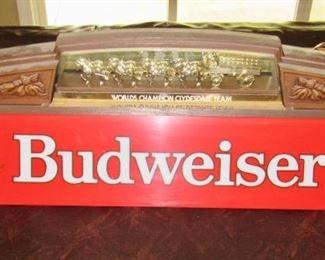 BUDWEISER POOL TABLE LIGHT