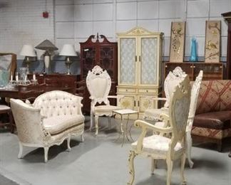 ASSORTED VINTAGE ITALIAN FRENCH PROVINCIAL FURNITURE