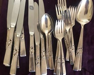 Oneida flatware full set