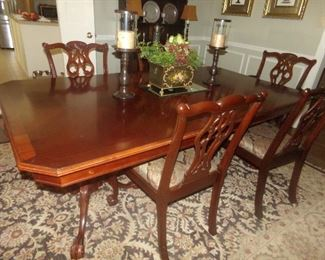 Chippendale Table w/2 leaves and 8 Chairs