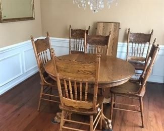Oak Table with Leaf and 6 Chairs