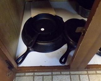 cast Iron Pans, small Skillet, large Skillet, Griddle, section Cornbread Pan