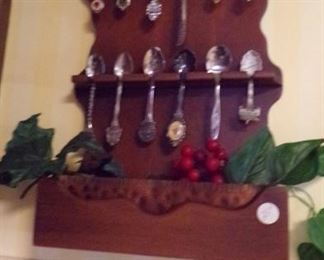 Wooden 12 Spoon Holder