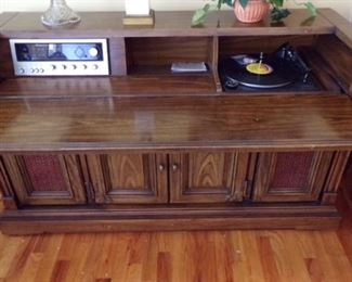 the vintage Stereo/Desk (see how the front drops down for the desk? I love this !!Never have seen one like it.