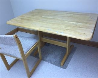 Craft table & chair