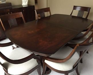 Stunning dining table, chairs, leaves & pads