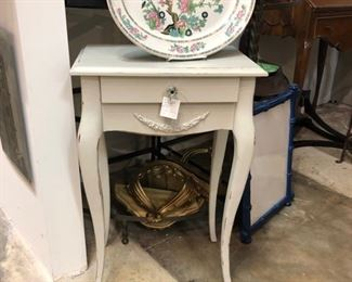 end table with jewelry drawer