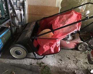 """Craftsman 26"""" Leaf/Lawn Sweeper"""